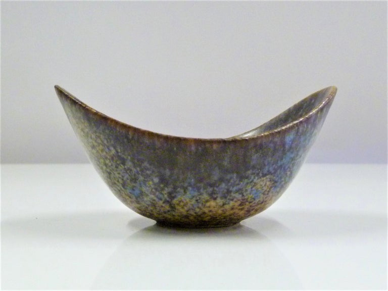 Rorstrand Scandinavian Modern Petite Vessel by Gunnard Nylund, Sweden, 1950s In Good Condition For Sale In Miami, FL