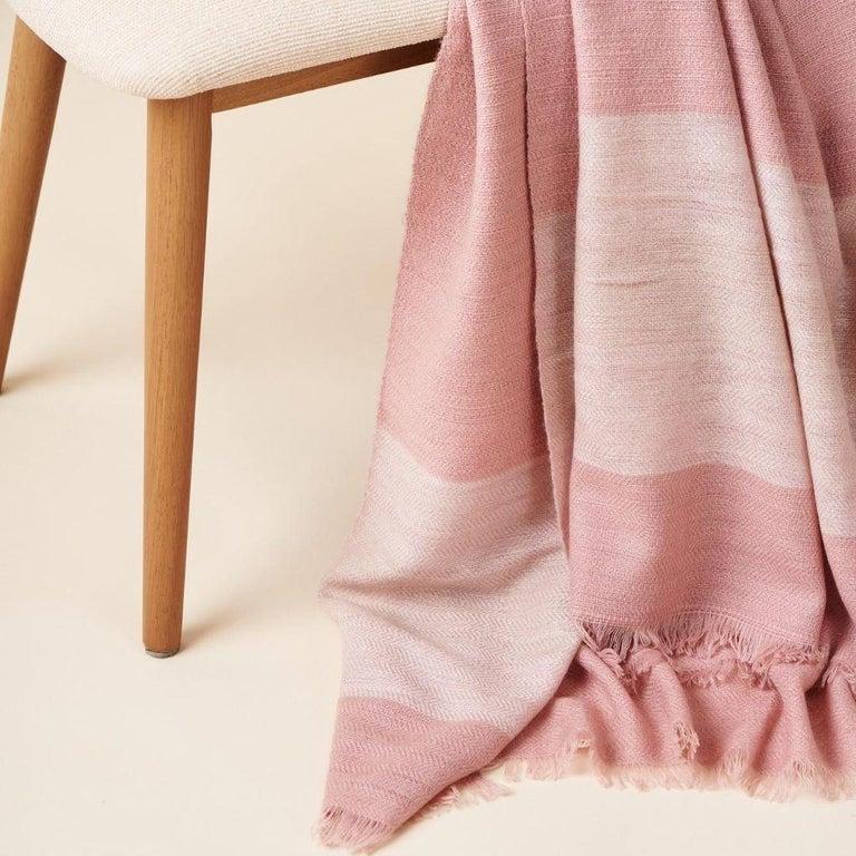 Nepalese ROSA Plush Handloom Throw / Blanket / Bedspread In Pastel Pink Soft Merino  For Sale