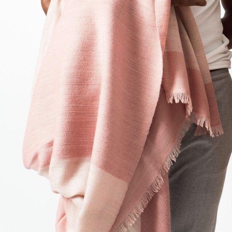 ROSA Plush Handloom Throw / Blanket / Bedspread In Pastel Pink Soft Merino  For Sale 3