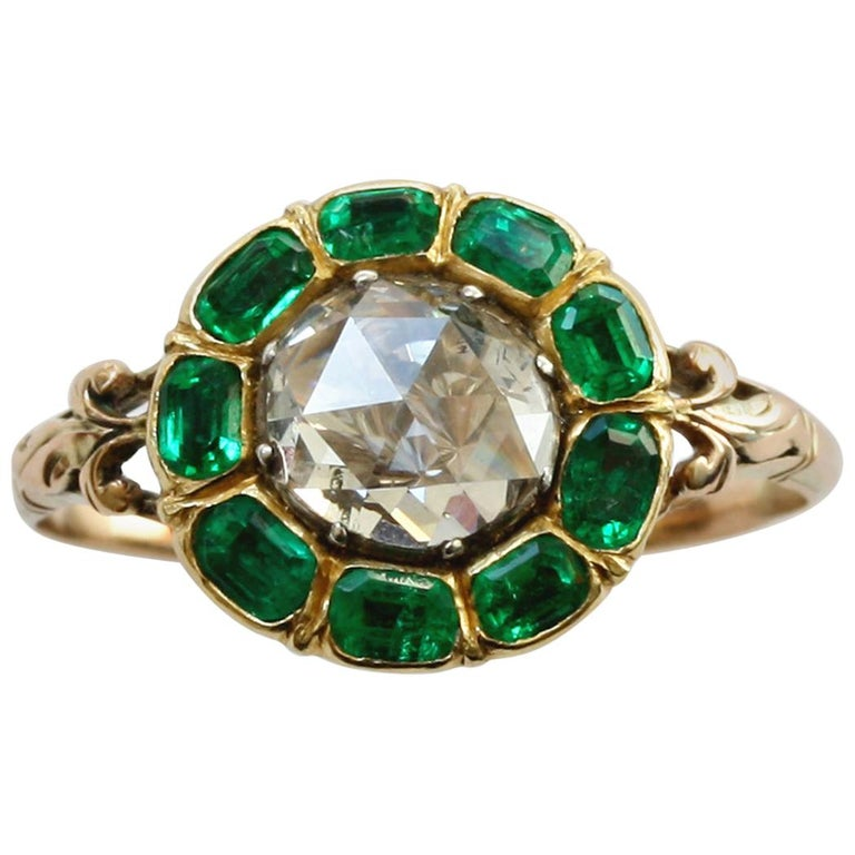 18th Century Rose Cut Diamond Emerald Gold  Cluster Ring For Sale