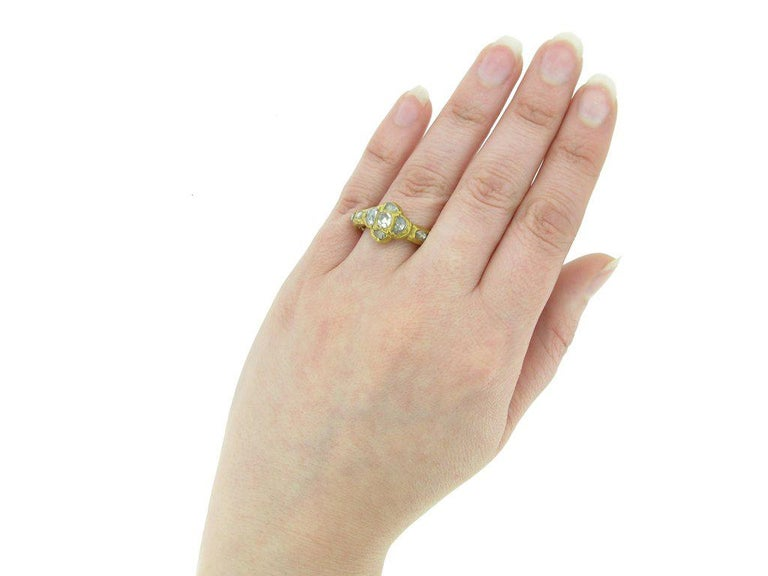 Rose Cut Diamond Cluster Ring, circa 17th Century For Sale 1