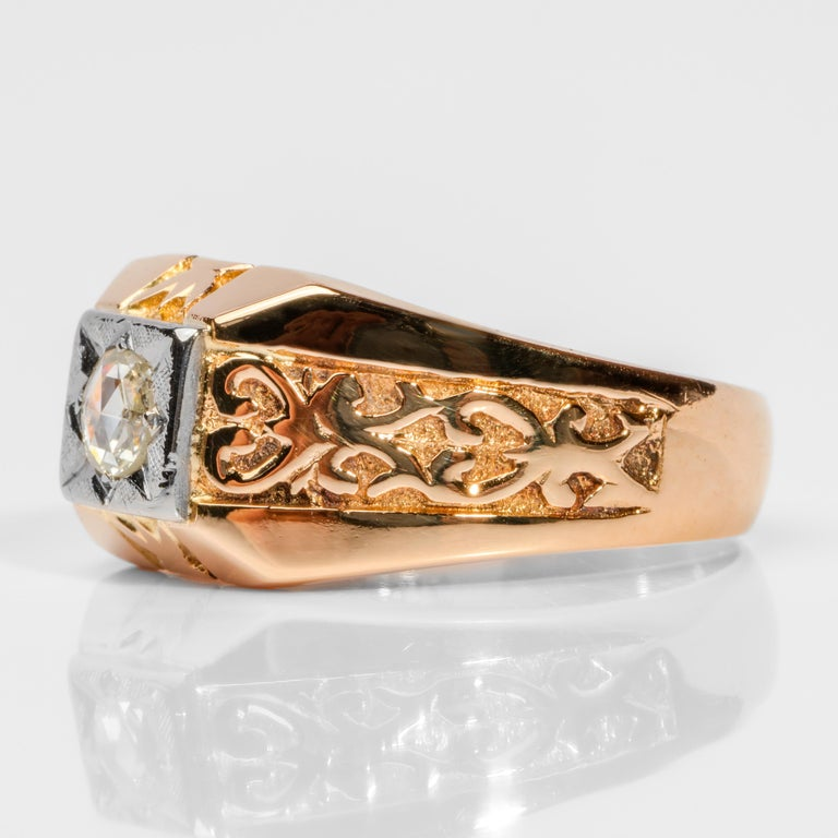 Men's Diamond Ring Tudor Style, 1940s In Excellent Condition For Sale In Southbury, CT