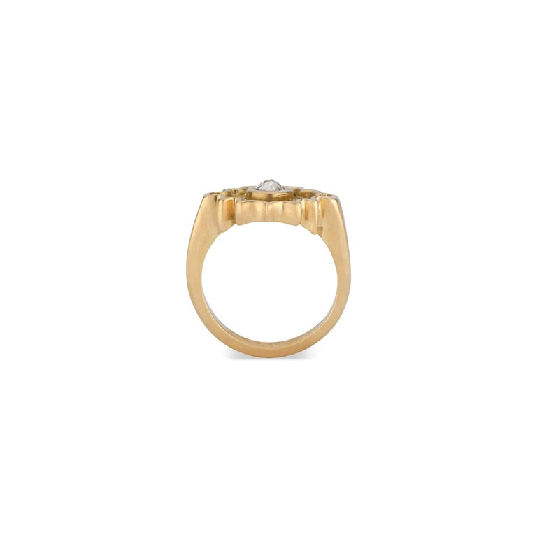 Contemporary Rose Cut Salt and Pepper Diamond Ring in Yellow Gold For Sale