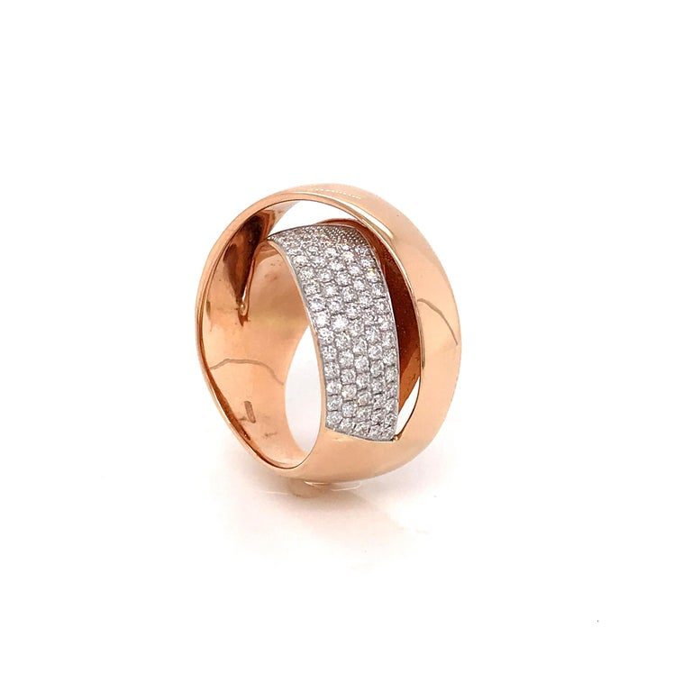 Round Cut Rose Gold and Diamonds Interlaced Fashion Ring For Sale