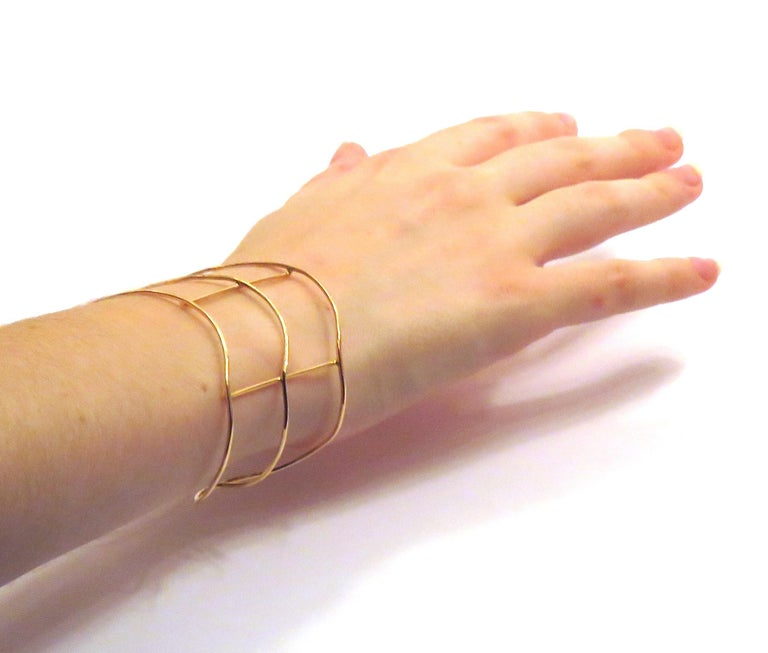Bracelet in 18 karat rose gold. The size are: 42 x 58 millimeters / 1.65 x 2.28 inches. It is stamped with the Italian Gold Mark 750 - 716MI. Ready for delivery. It can be shipped with express delivery on