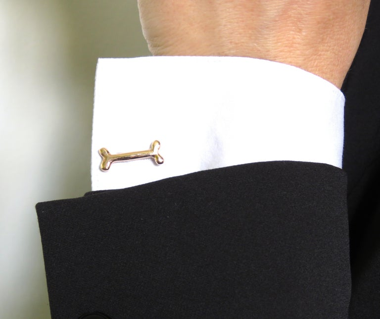 Cufflinks in 9k rose gold with two dog bone bars. Bar length is 20 millimeters / 0,78 inches. They are stamped with the Italian Gold Mark 375 - 716MI and handcrafted in Italy by Botta