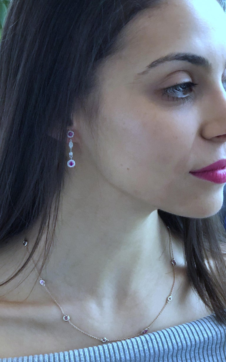 Modern Rose Gold Nine Pink Sapphire Bezel Set Pendant Necklace Weighing 3 Carat For Sale