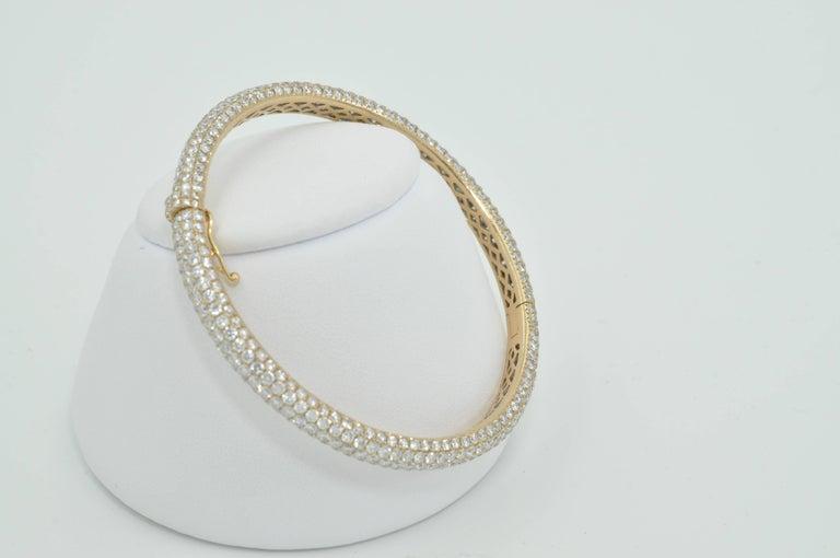 Round Cut Rose Gold Pave Diamond Bangle Bracelet