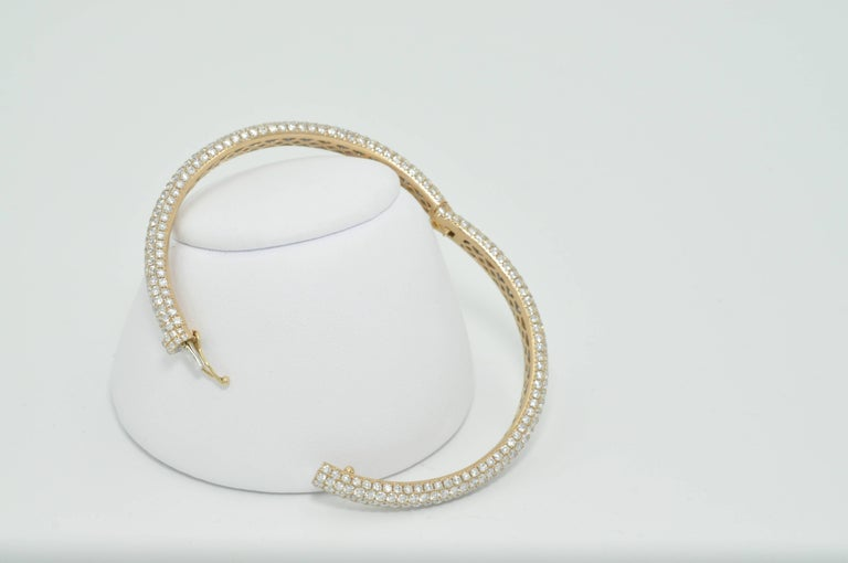 Rose Gold Pave Diamond Bangle Bracelet In Excellent Condition In Dallas, TX