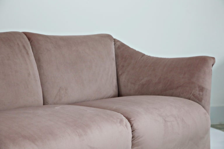 Rose Pink Velvet Tentazione Sofa by Mario Bellini for Cassina, New Upholstery For Sale 5