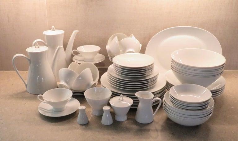 Glazed Rosenthal Form 2000 White Pattern Dinnerware - Raymond Loewy Set 70 Pcs Germany For Sale