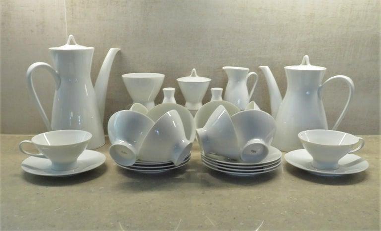 Porcelain Rosenthal Form 2000 White Pattern Dinnerware - Raymond Loewy Set 70 Pcs Germany For Sale