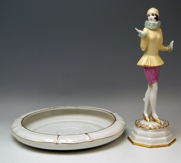 Rosenthal Germany Lady Yvonne Dorothea Charol, circa 1930-1935 In Excellent Condition For Sale In Vienna, AT