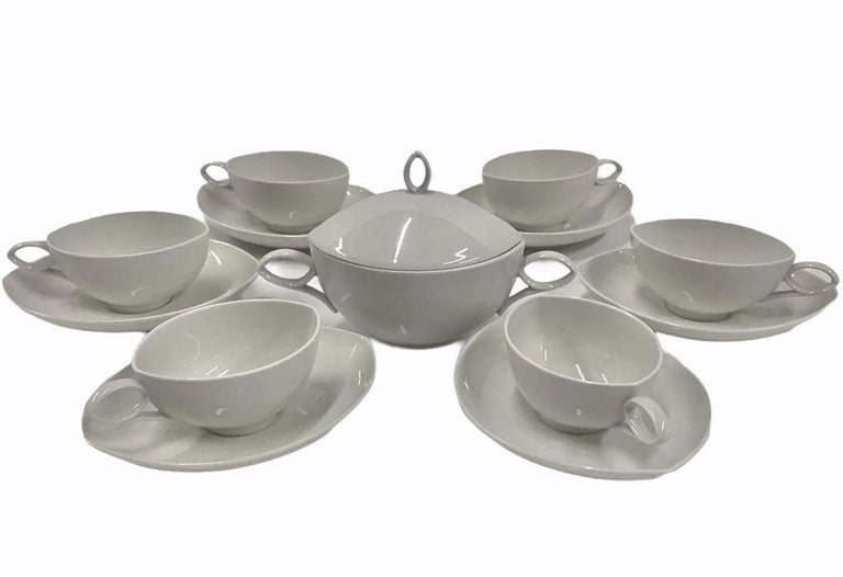 The OVAL pattern designed by Rudolf Lunghard for Rosenthal, Mid Century Modern Set of 6 cups and saucers plus sugar. In the demitasse, espresso or moka size. This lovely 1951 rarely seen set in fine translucent white porcelain is stamped with the
