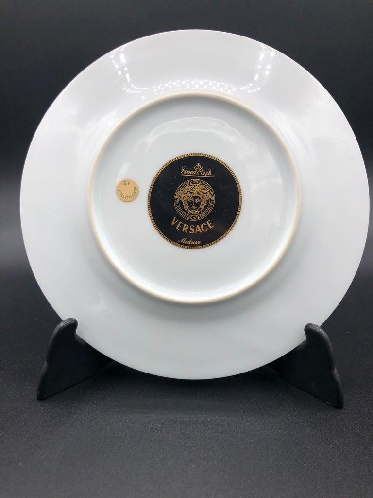 Rosenthal Versace Medusa Plate Boxed In Excellent Condition For Sale In Chillerton, Isle of Wight