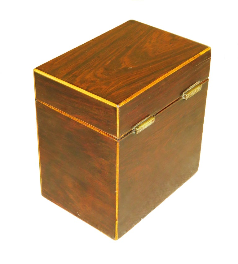Rosewood 18th Century Oblong Tea Caddy In Good Condition For Sale In Bedfordshire, GB