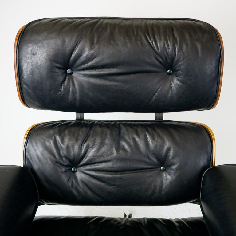 Rosewood and Black Leather Eames Lounge Chair by ICF for Herman Miller For Sale 4