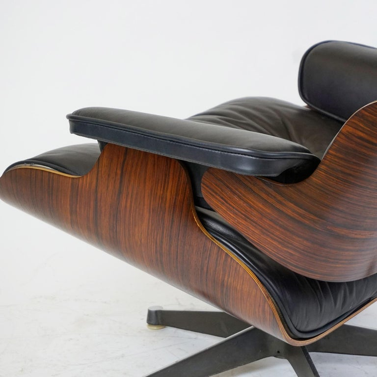 Rosewood and Black Leather Eames Lounge Chair by ICF for Herman Miller For Sale 7