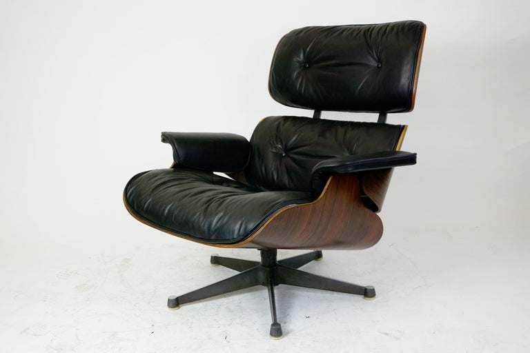 Mid-20th Century Rosewood and Black Leather Eames Lounge Chair by ICF for Herman Miller For Sale