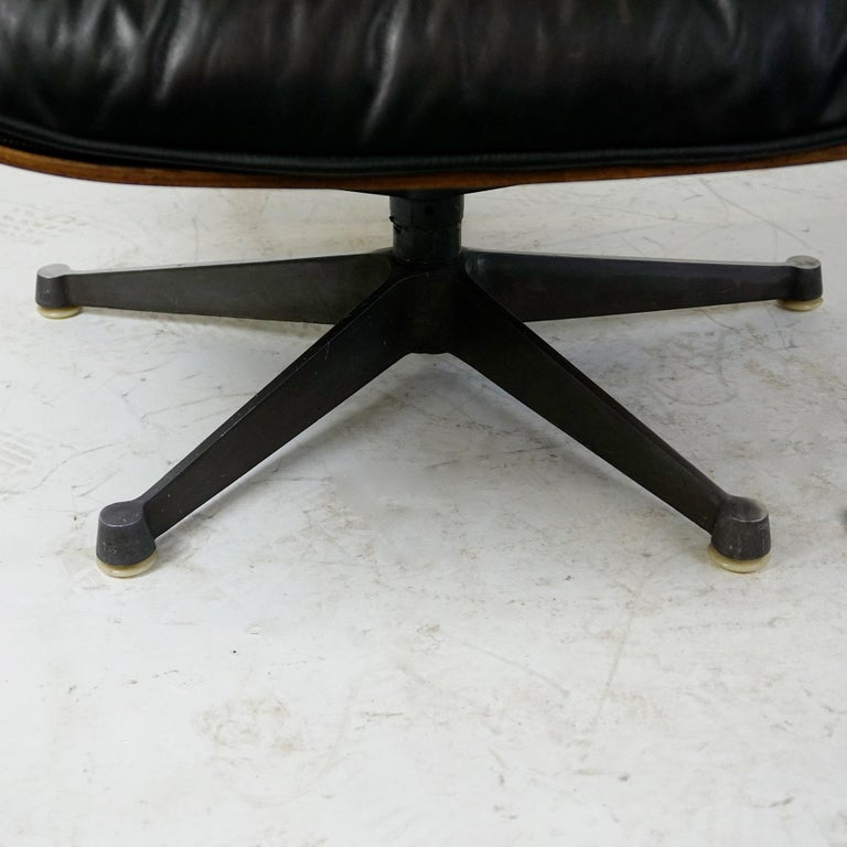 Rosewood and Black Leather Eames Lounge Chair by ICF for Herman Miller For Sale 2