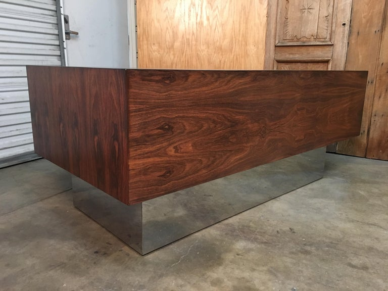 Rosewood and Chrome Desk in the Style of Milo Baughman In Good Condition For Sale In Laguna Hills, CA