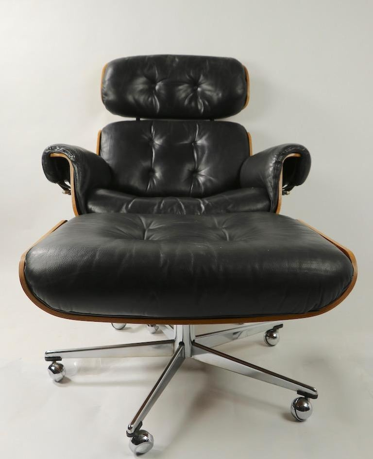 Rosewood and Leather Eames Style Swivel Lounge Chair and Ottoman For Sale 6