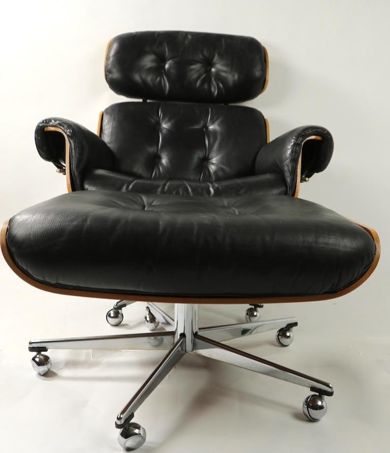 Rosewood and Leather Eames Style Swivel Lounge Chair and Ottoman For Sale 7
