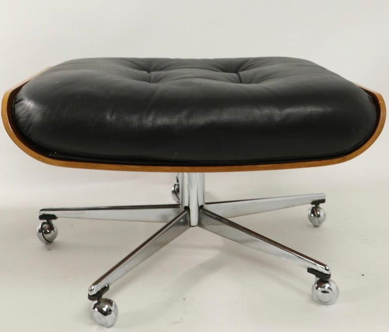 Rosewood and Leather Eames Style Swivel Lounge Chair and Ottoman For Sale 3