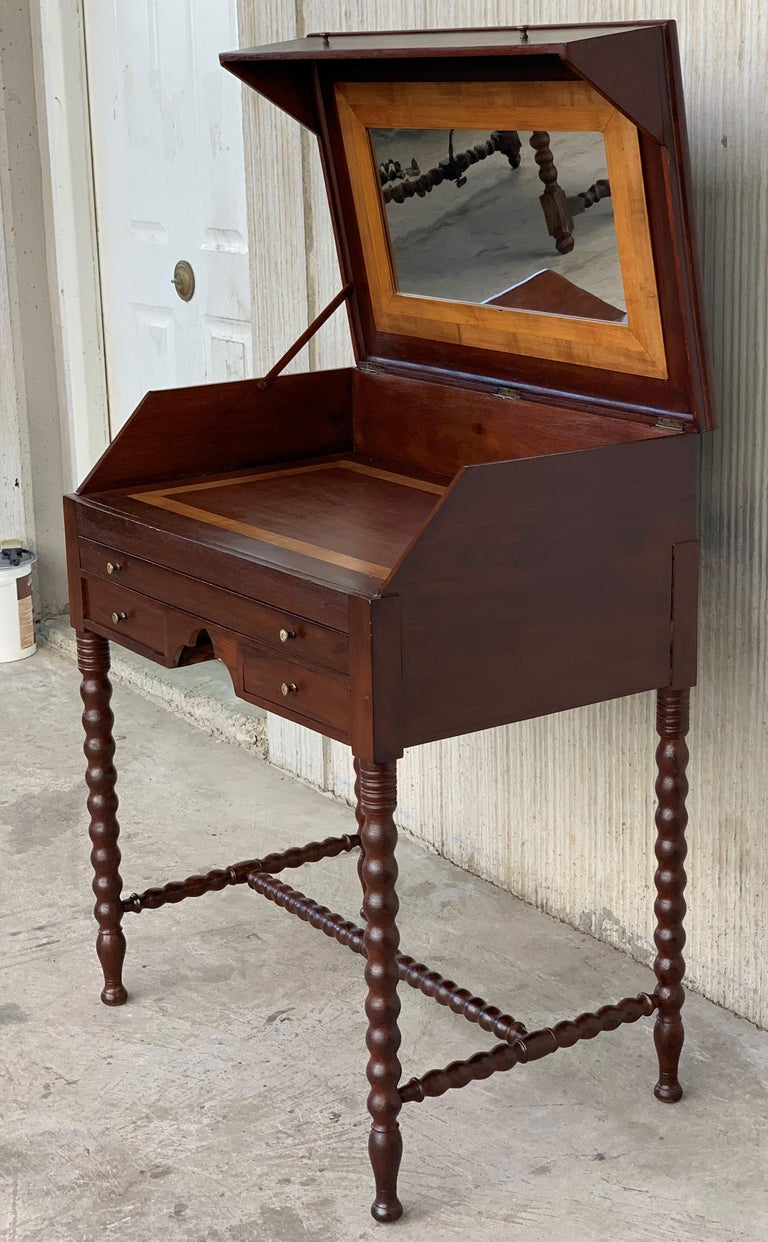 Rosewood Art Deco opens up vanity or secretary desk. Dressing table.