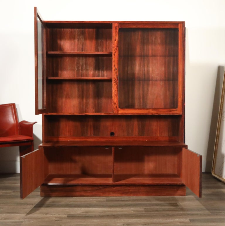 Rosewood Danish Modern Display Cabinet by Eric Brouer for Brouer Møbelfabrik In Good Condition For Sale In Los Angeles, CA