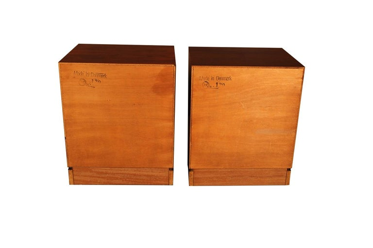Scandinavian Modern Rosewood Danish Modern Nightstands End Side Tables, Pair For Sale