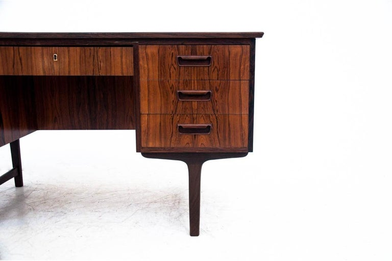 Rosewood Desk, Denmark, 1960s In Good Condition For Sale In Chorzów, PL