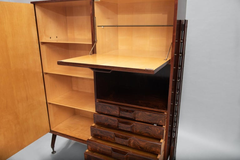 Rosewood Italian Cabinet with Dry Bar in the Style of Franco Albini In Excellent Condition For Sale In Porto, PT