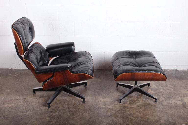 Mid-20th Century Rosewood Lounge Chair and Ottoman by Charles Eames for Herman Miller
