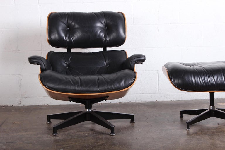 Rosewood Lounge Chair and Ottoman by Charles Eames for Herman Miller For Sale 1