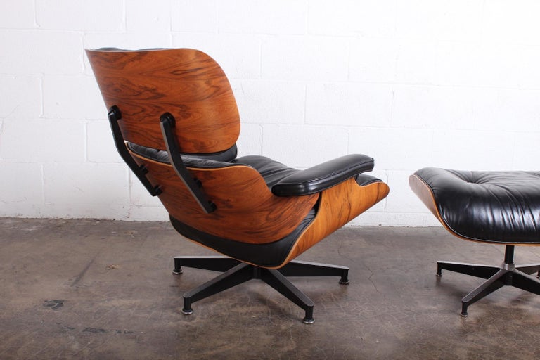 Rosewood Lounge Chair and Ottoman by Charles Eames for Herman Miller For Sale 3