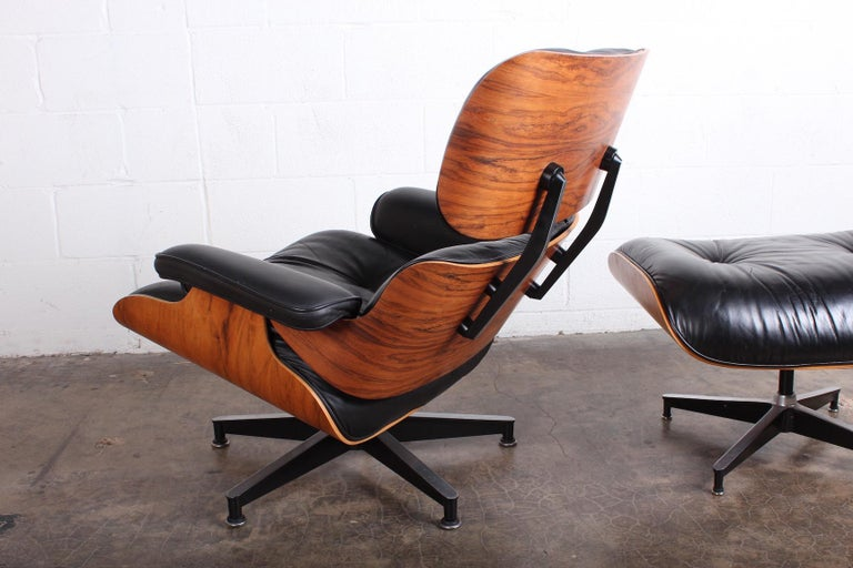 Rosewood Lounge Chair and Ottoman by Charles Eames for Herman Miller For Sale 4