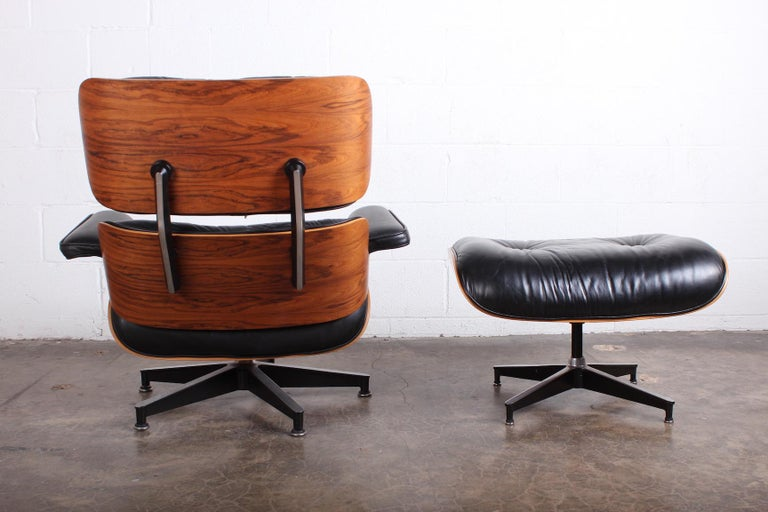 Rosewood Lounge Chair and Ottoman by Charles Eames for Herman Miller For Sale 5
