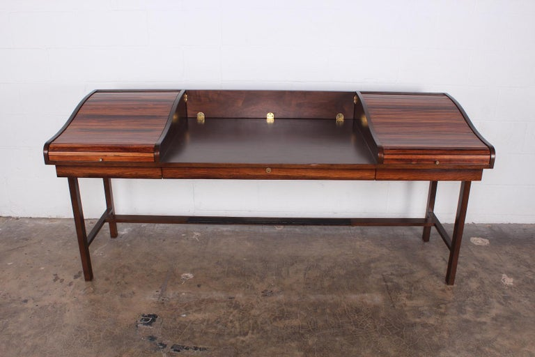 Rosewood Roll Top Desk by Edward Wormley for Dunbar In Good Condition For Sale In Dallas, TX