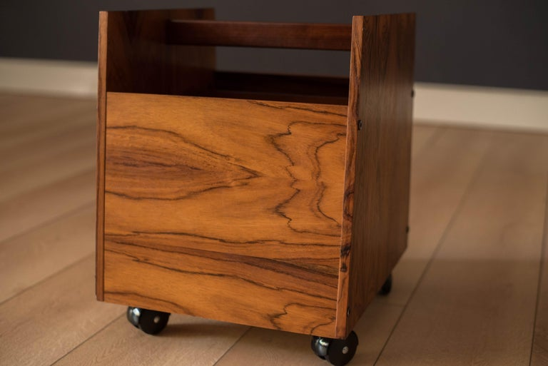 Rosewood Rolling Record Magazine Rack by Rolf Hesland for Bruksbo In Good Condition For Sale In San Jose, CA