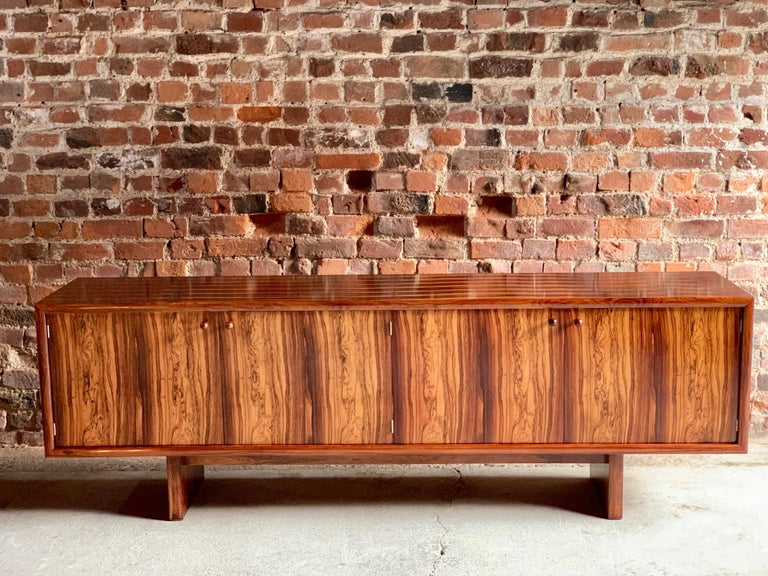 Rosewood Sideboard or Buffet Gordon Russell Martin Hall Marlow Range, 1970 In Excellent Condition For Sale In Longdon, Tewkesbury