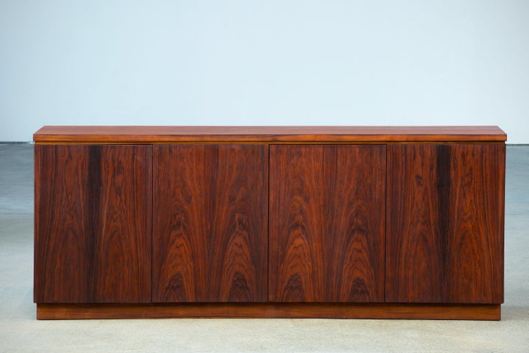 Rosewood Sideboard Minimal Design, Denmark, 1960s For Sale 5