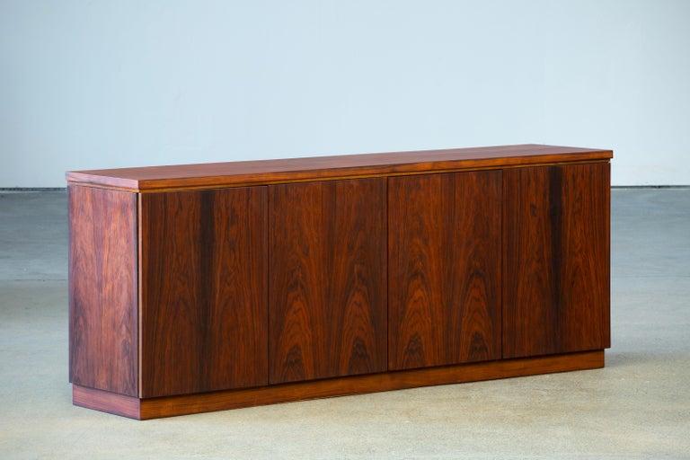 Rosewood Sideboard Minimal Design, Denmark, 1960s For Sale 7