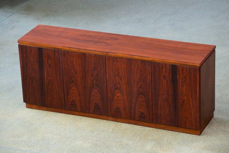 Rosewood Sideboard Minimal Design, Denmark, 1960s For Sale 1