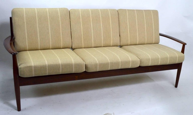 Rosewood Sofa by Grete Jalk for France and Son For Sale 2