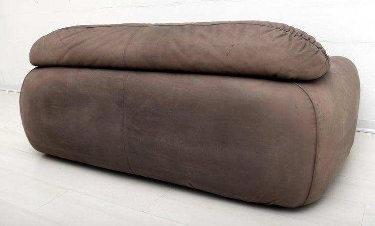 Rossi di Albizzate Modern Italian Elephant Skin Sofa, 1989 For Sale 5