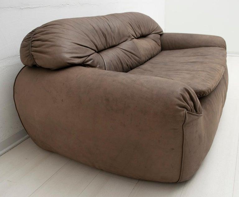 Rossi di Albizzate Modern Italian Elephant Skin Sofa, 1989 For Sale 4