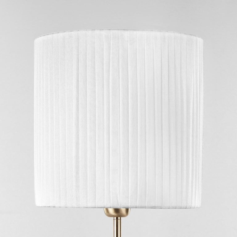Italian Artistic Rostri Table Lamp Light Grey Murano Glass, Grey Lampshade by Multiforme For Sale