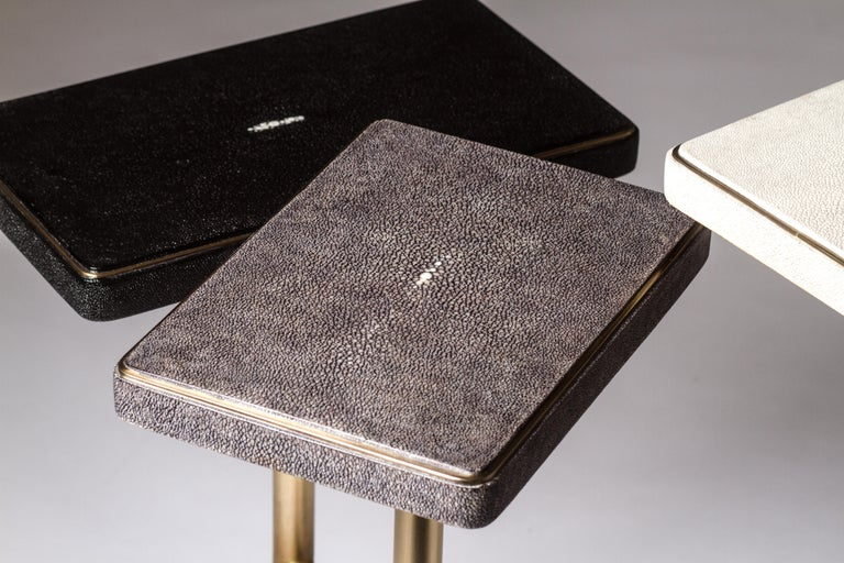 Rotating 3-Top Side Table in Shagreen & Bronze-Patina Brass by Kifu Paris For Sale 1