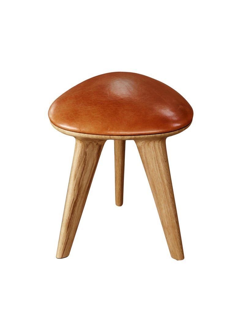 Minimalist Rotor, Solid Oak Stool with Padded Tan Leather Seat by Made in Ratio For Sale